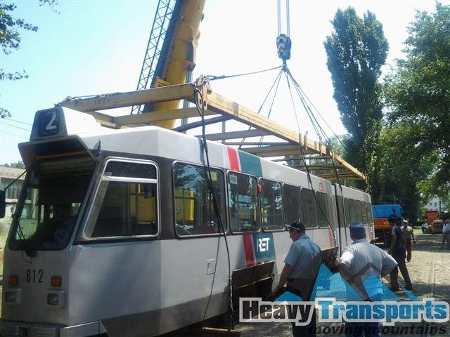 Transport internaţional de tramvaie cu încărcare din Stuttgart, Germania şi descărcare la Botoşani, România